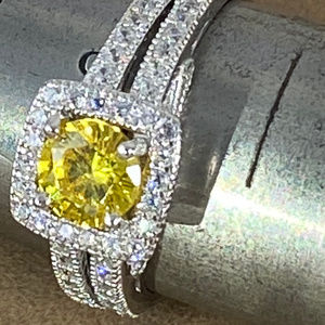 Gem Emporium Jewelry - Canary Yellow 1.5 Ct Topaz 925 Silver size 8 Ring